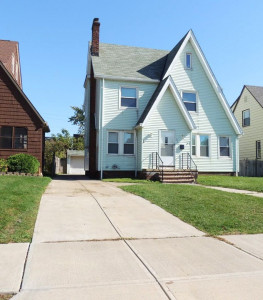 4 Bed – 1.5 Bath Colonial for Rent in Euclid!
