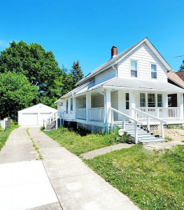 3 Bed – 1 Bath Cape Cod for Rent in Euclid | Absolutely Gorgeous!