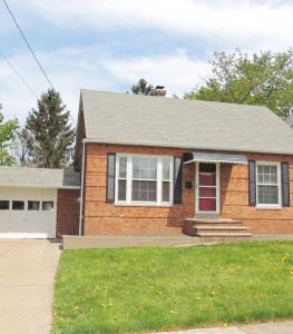 3 Bed – 1 Bath Cape Cod for Rent in Lyndhurst!