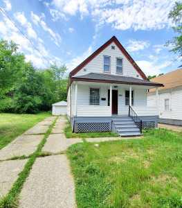 3 Bed – 2 Full Bath Cape Cod for Rent in Cleveland!