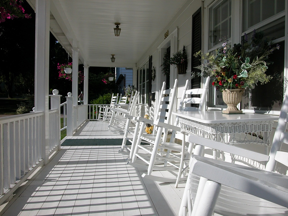 , Enjoy Your Land With a New Farmer's Porch