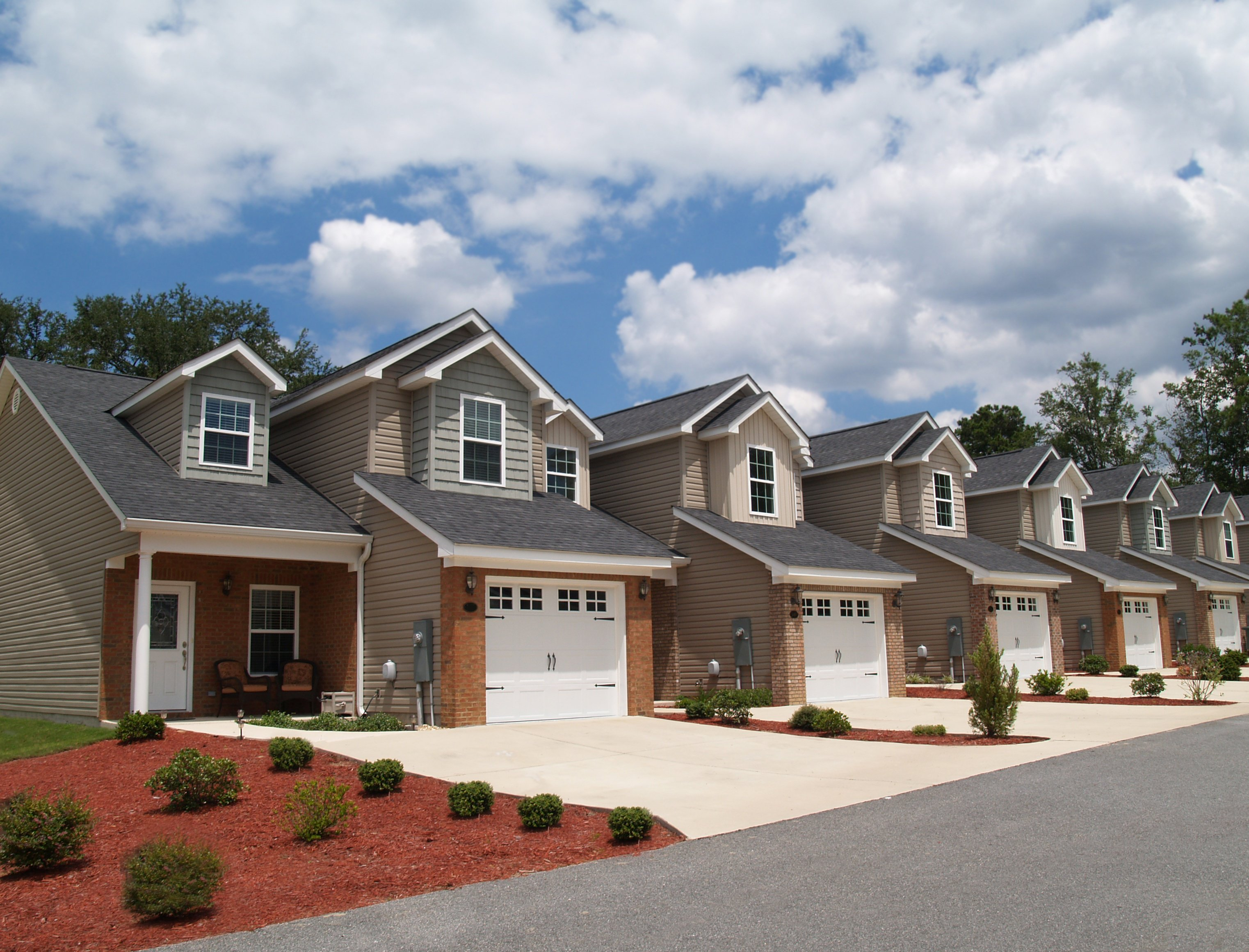 Single Family vs. Multi-Family Investments: How To Make The Right Choice